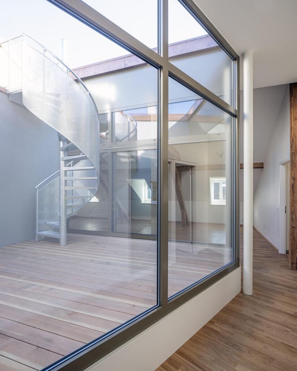 9 madeleine couloir chambres