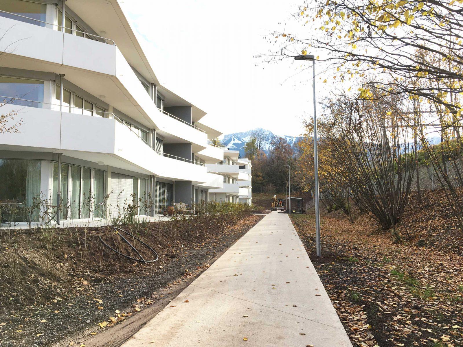 sully-facade-lac