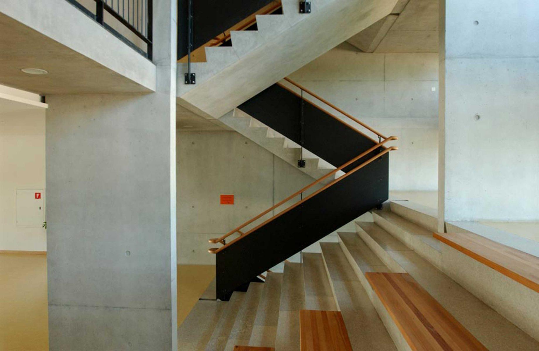tambourine-escalier